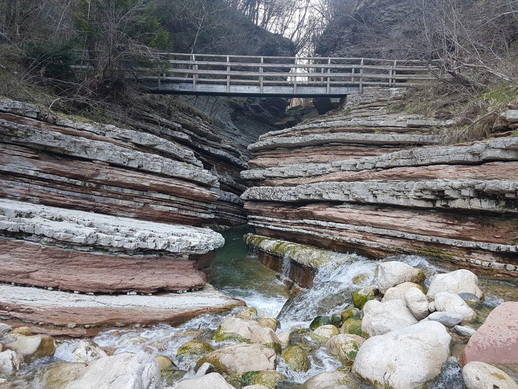 Belluno, Brent de l'Art, il ponte che attraversa il piccolo canyon
