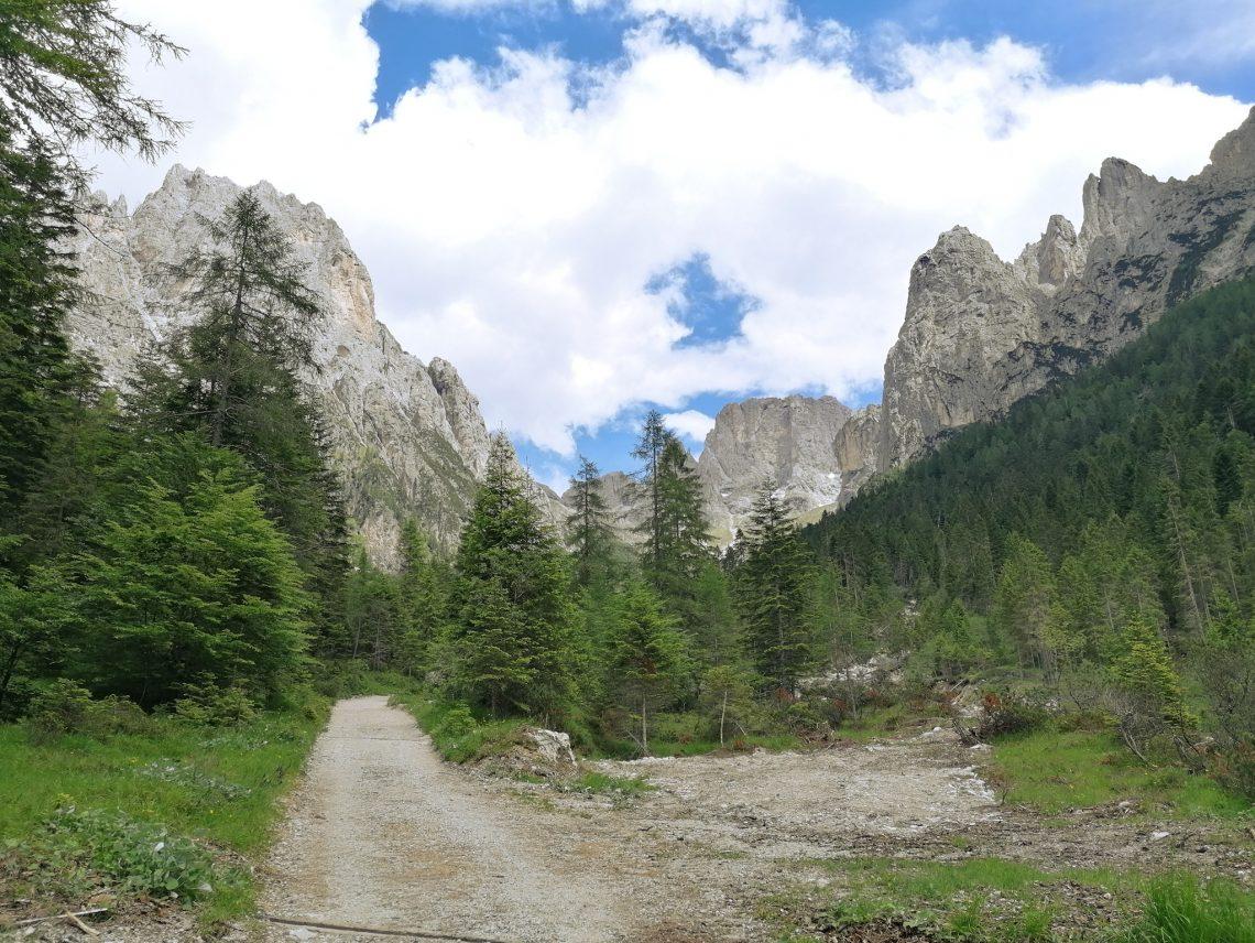 escursione in montagna cosa portare